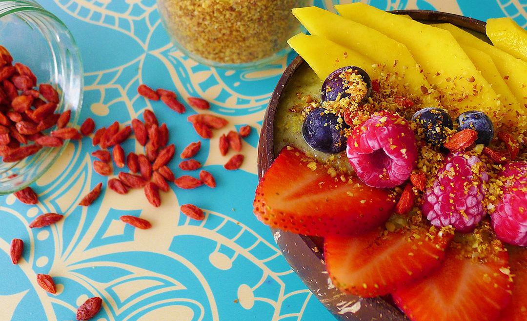 Smoothie bowl de kiwi y té matcha