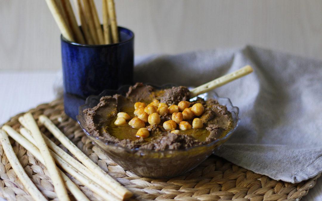 Hummus de ajo negro